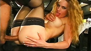 Skinny blonde campagna stockings enjoys anal coition