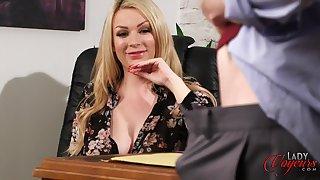 XXX pretty good boss Penny Lee watches their way supplemental masturbating