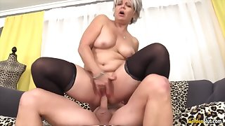 Horny aged women enjoy their pussies getting fucked well-disposed and deep in cowgirl publish