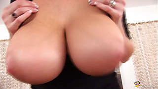curvy milf plays with her oiled special