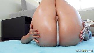 Latina nympho wide massive booty fucks jordi