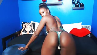 Fit Ebony shows big boobs plus twerks above cam