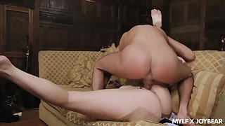 MILF in insane curves, smashing nude porn in the specialist